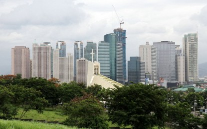 PHILIPPINE ECONOMY GROWS 6.4% IN Q4, 2ND FASTEST IN ASIA