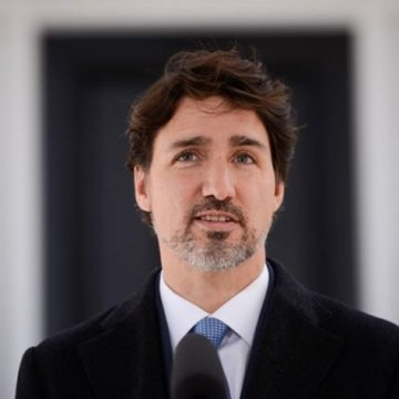 Trudeau: Feds ready to send provinces cash to top-up worker salaries