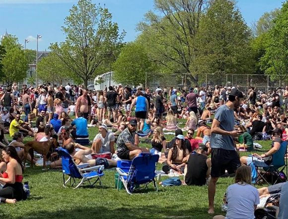 'Don't be like Toronto:' Calgary mayor warns against large gatherings in parks